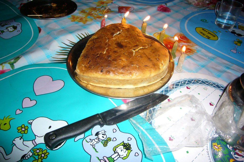 台所を借りて作ったケーキ 2007 ジョムソン・トレッキング