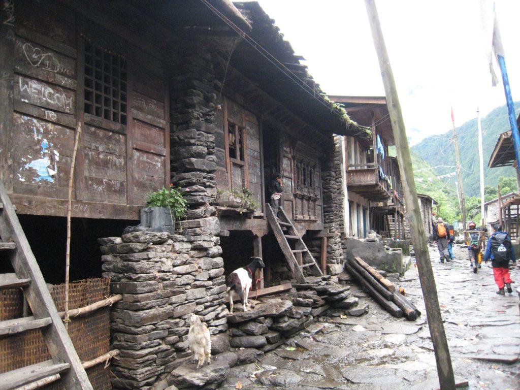 シャブルベシの旧村 2008 ランタン・トレッキング