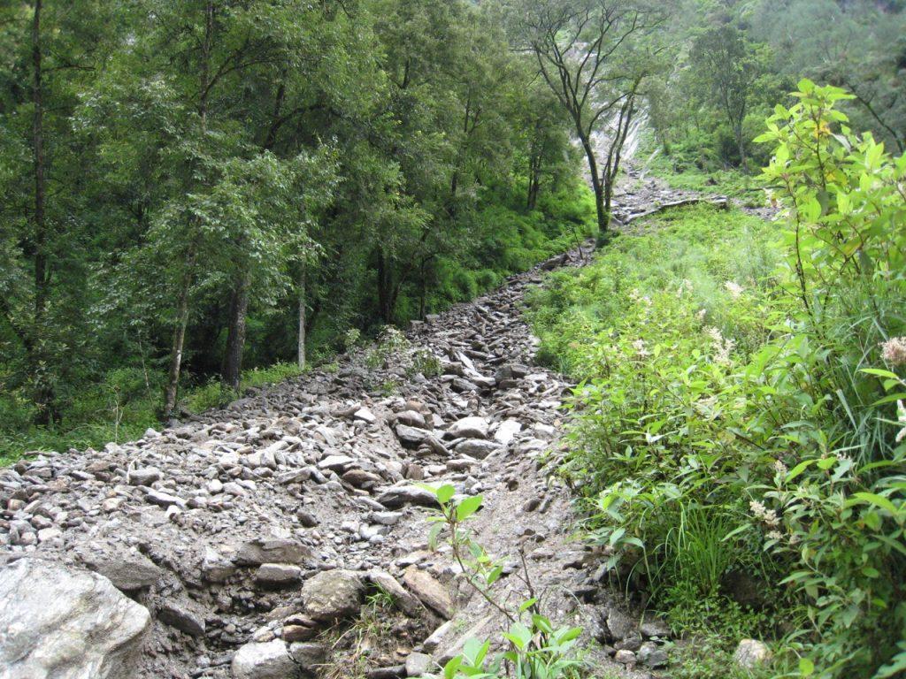 土砂流出の跡 2008 ランタン・トレッキング