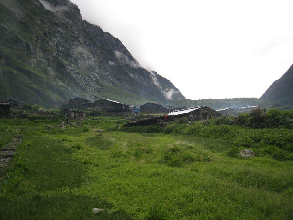 旧村と上流方向 2008 ランタン・トレッキング