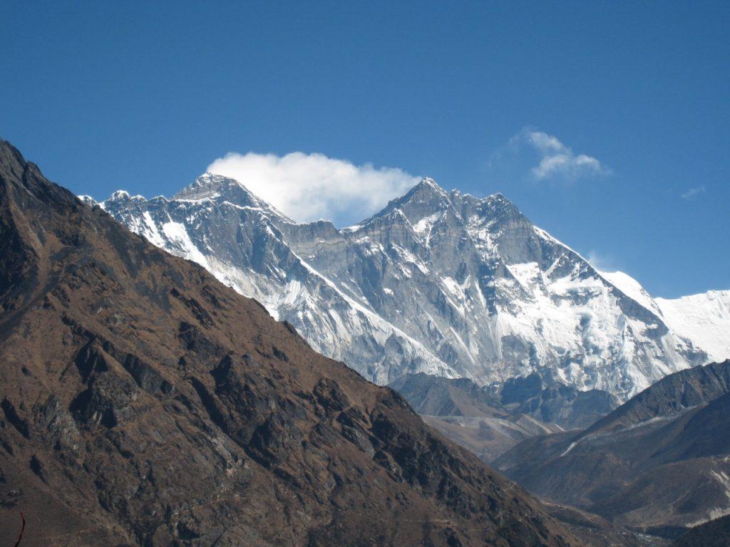 エベレスト、ローチェ (エベレスト・ビュー・ホテルのテラスから) 2009 ナムチェ・バザール・トレッキング