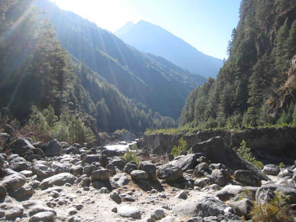 洪水の痕跡かも 2009 ナムチェ・バザール・トレッキング