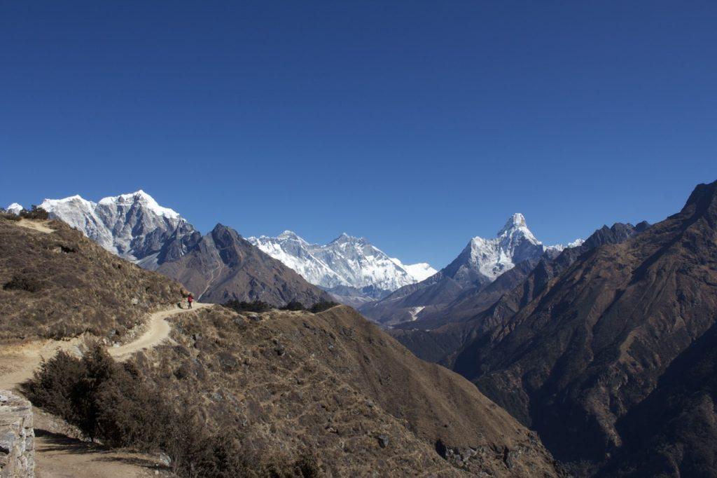 エベレスト・シェルパ・リゾート付近から 2010/11 ナムチェ・バザール・トレッキング