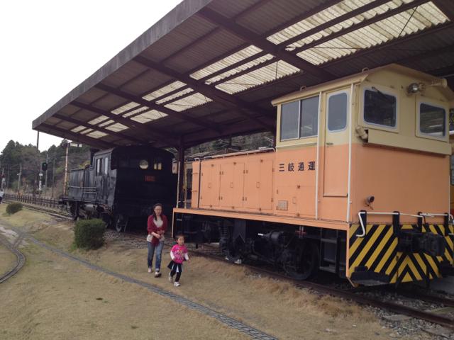 西藤原駅に展示中の機関車 2013年4月14日