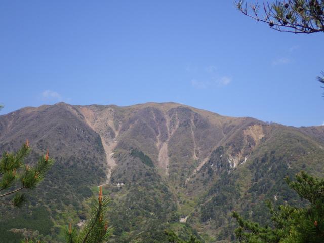 竜ヶ岳を望む宇賀渓 2014年5月2日