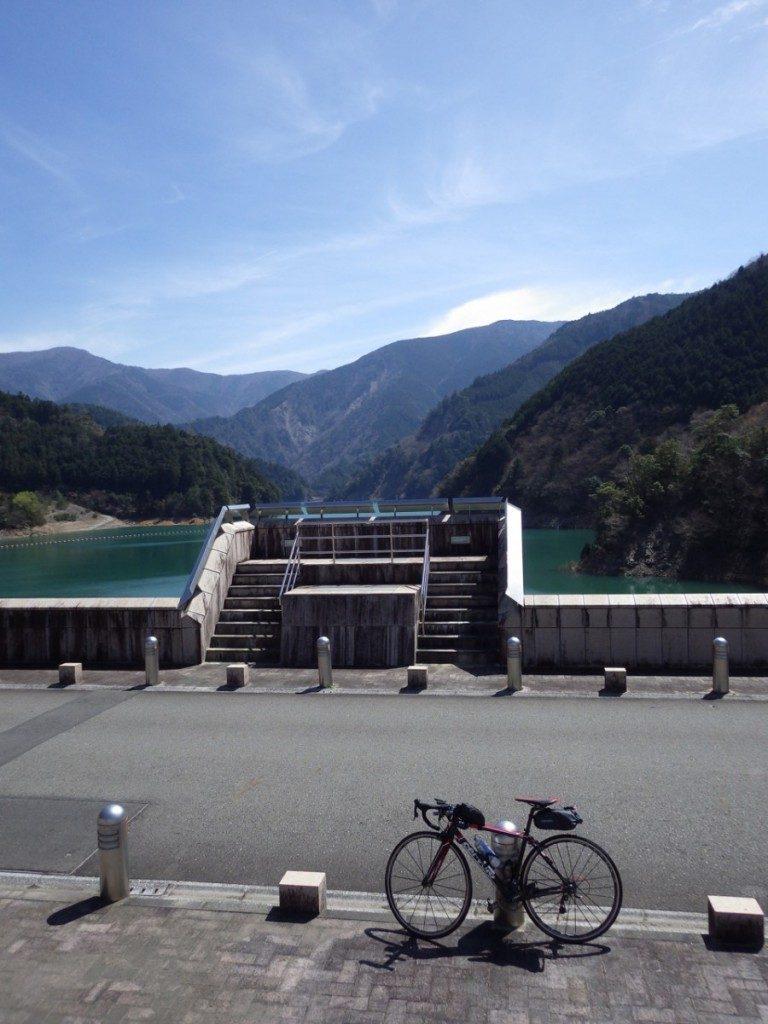 長島ダム堤体上 (2015BRM328井川300km)