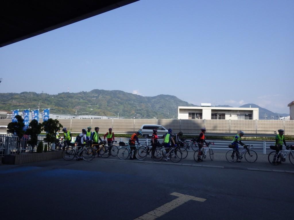 検車後にスタート (2015BRM425神奈川400興津)