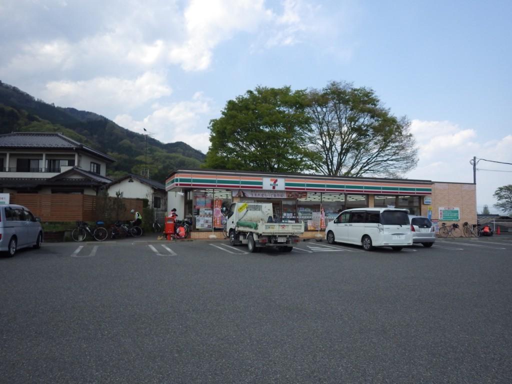 PC1のセブンイレブン韮崎旭町店 (2015BRM425神奈川400興津)