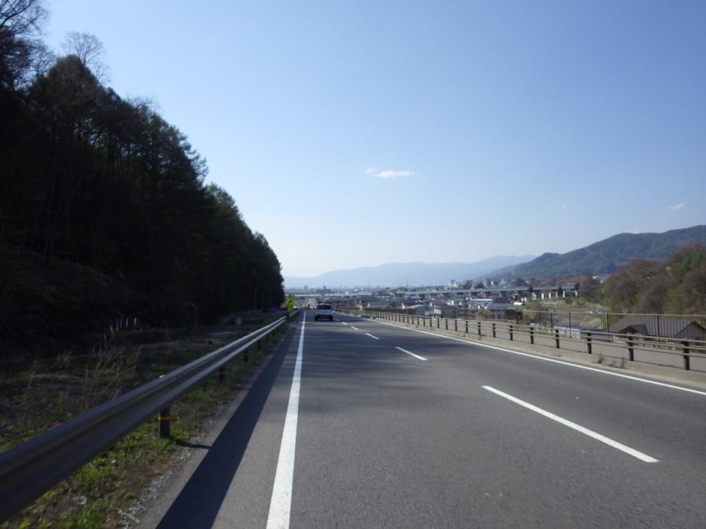 諏訪湖に向かって下る (2015BRM425神奈川400興津)