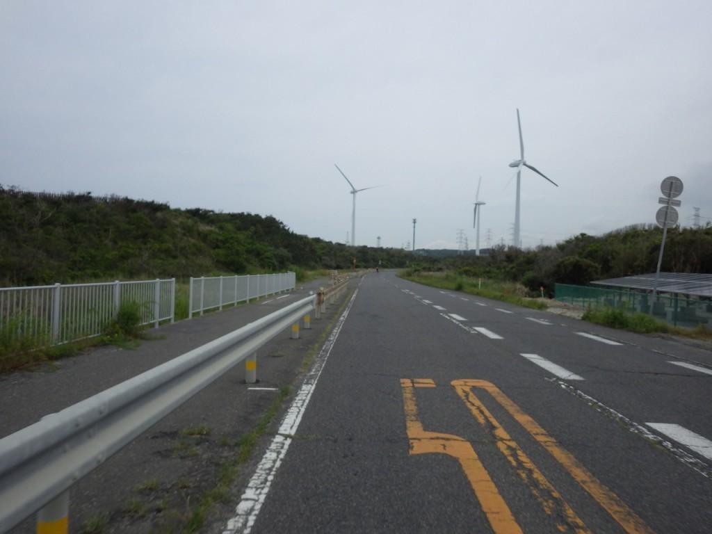 風が無く風力発電も動いていない (2015BRM509神奈川600興津)