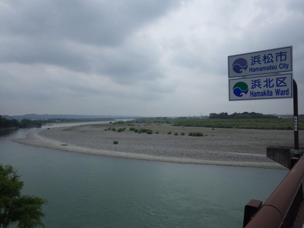 天竜川を渡り浜松市に入る (2015BRM509神奈川600興津)