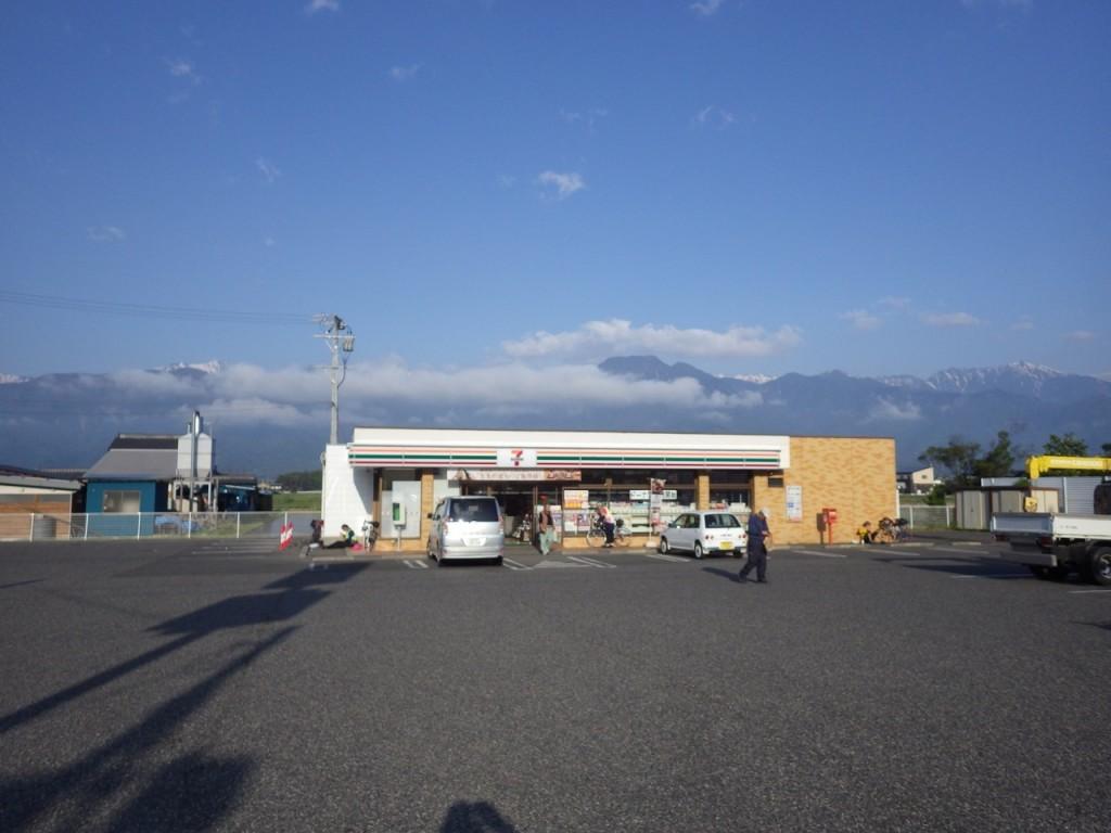 2015BRM509神奈川600興津の際に利用したコンビニ ここにはイートインは無かったような