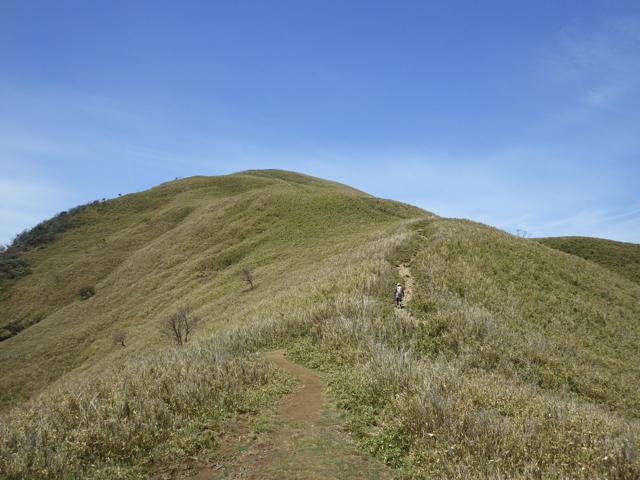 尾根に出ると山頂が見えてきた 2014年5月4日