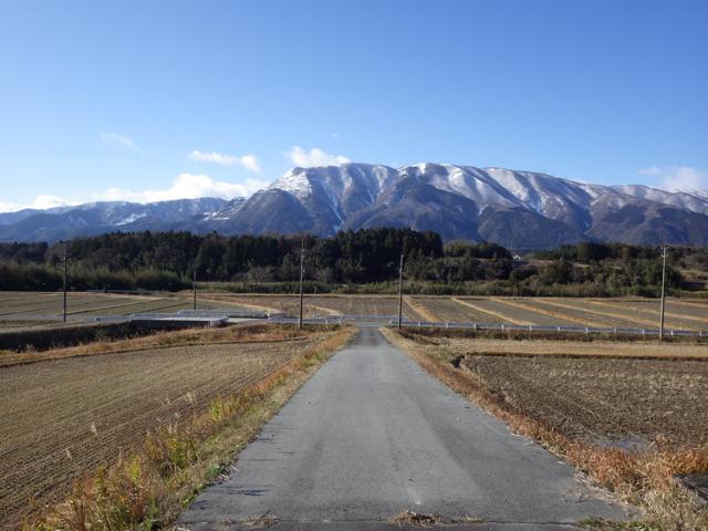 いなべ市藤原町上相場からの藤原岳 (2014年12月27日)