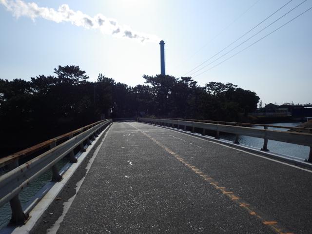 煙突からのガスも真横に流れている BRM104静岡200km (2015年1月4日)