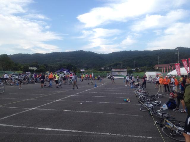 鴨川市の総合運動公園 2012 ツール・ド・ちば 3日目