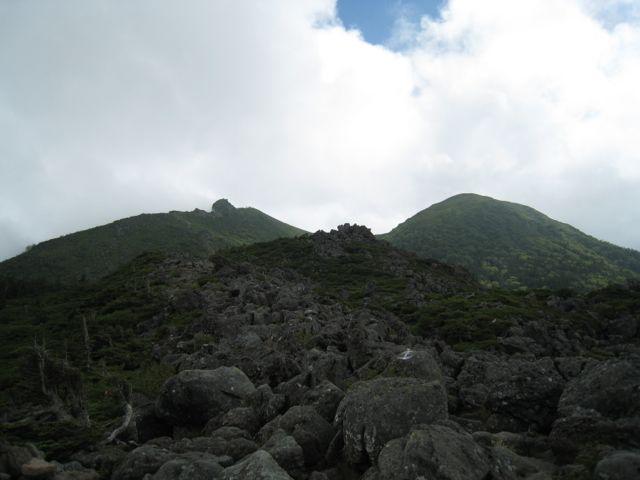 目的地が見えてきた 東天狗岳 (八ヶ岳) 2009年8月30日