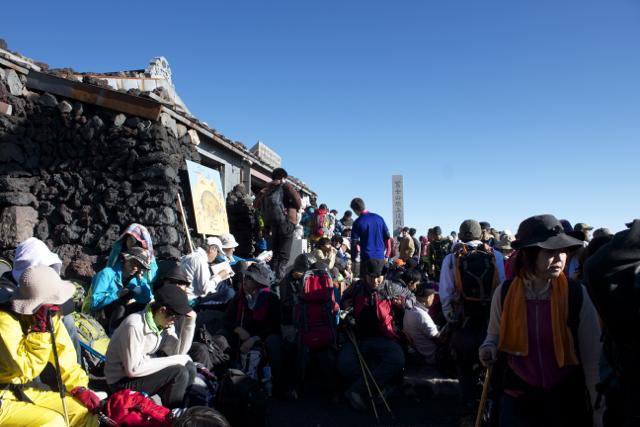 たくさんの登山客 富士登山 2011年7月11日