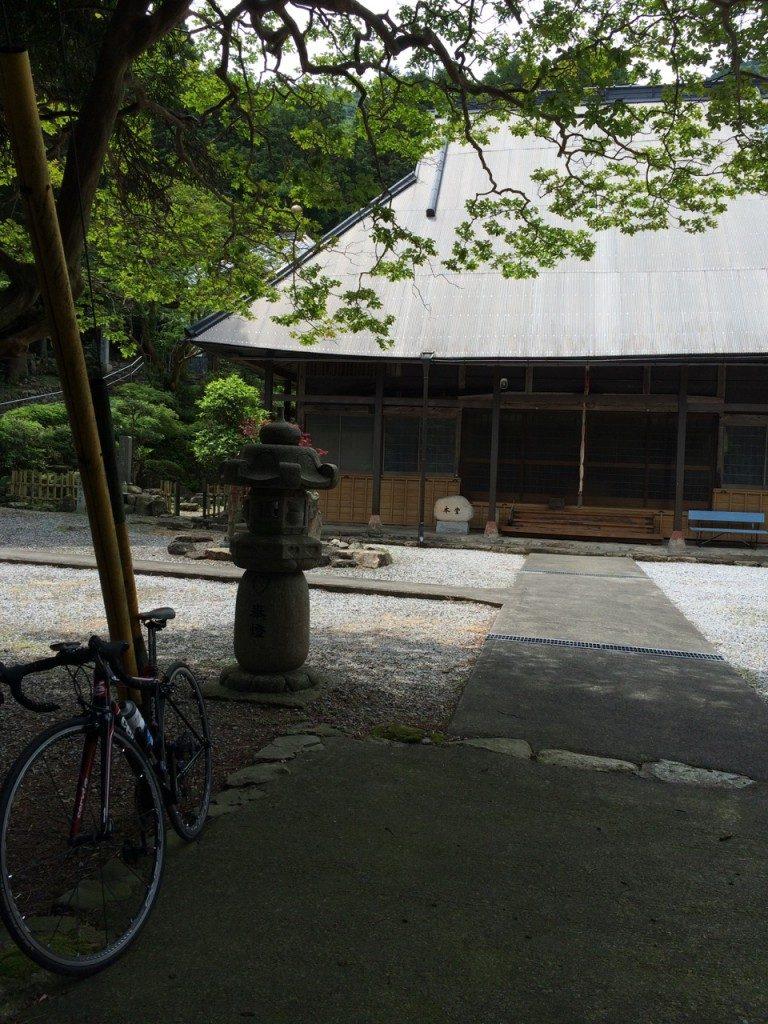 いなべ市内唯一の曹洞宗のお寺、長楽寺 藤原町篠立の奥に位置している