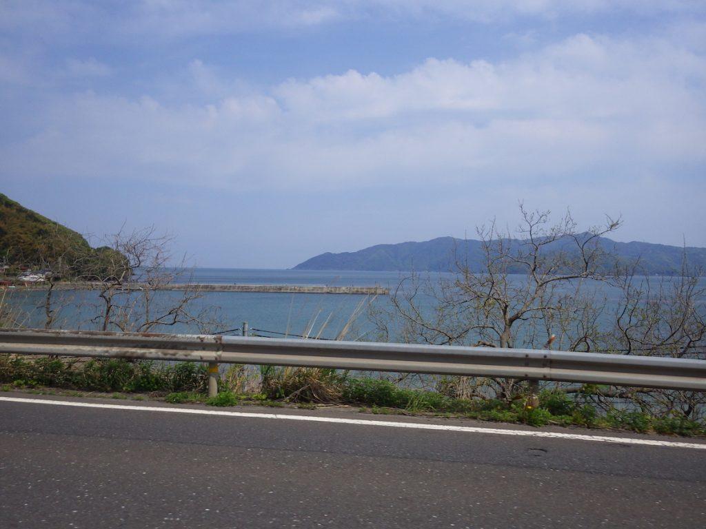 日本海が見えてきた
