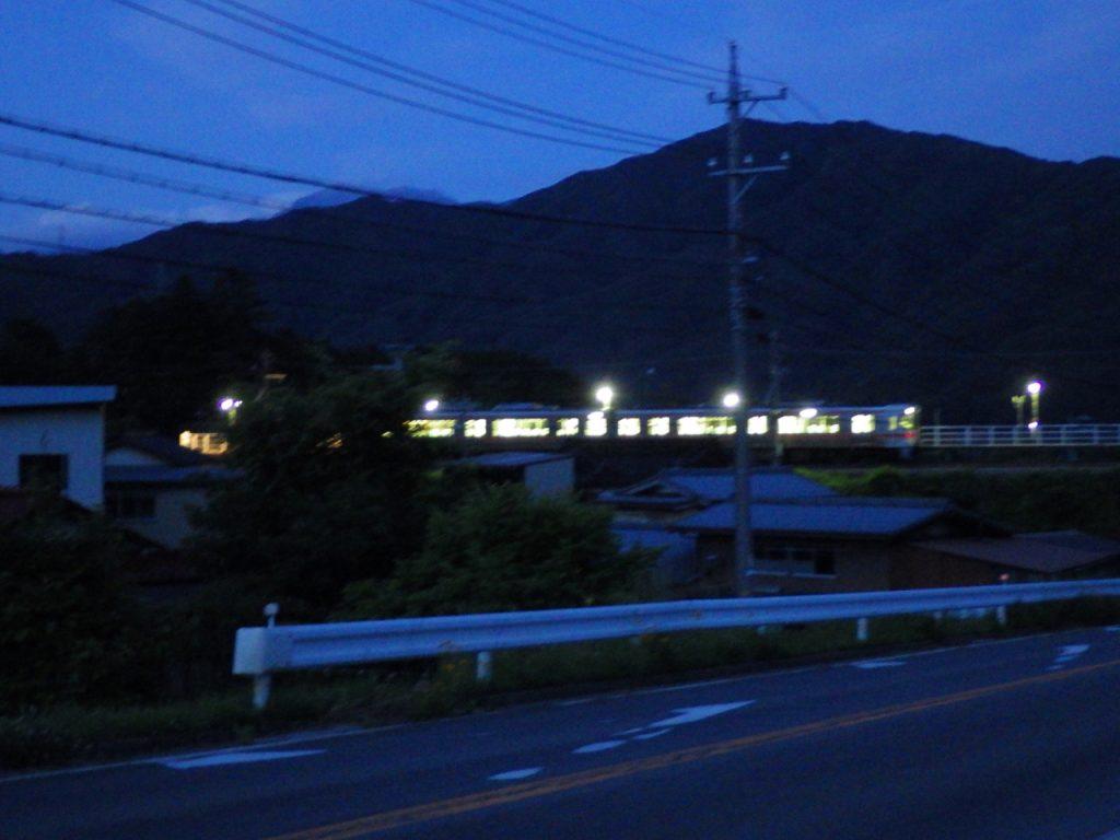 田切駅に停まる飯田線