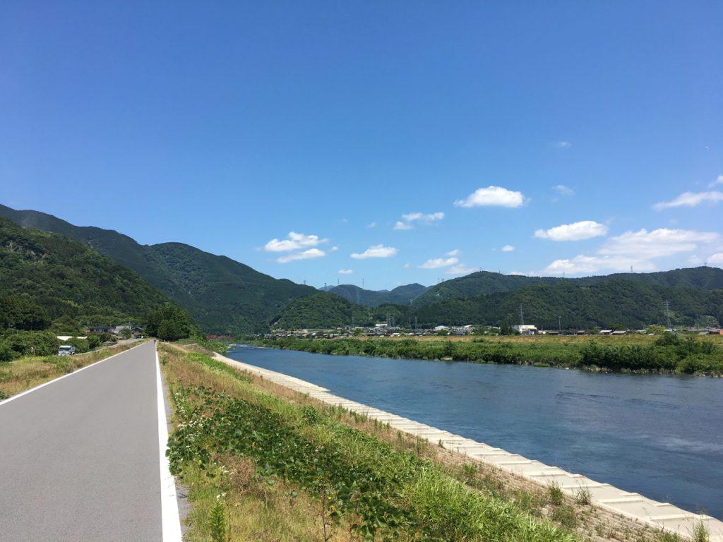 揖斐川を上流に進む