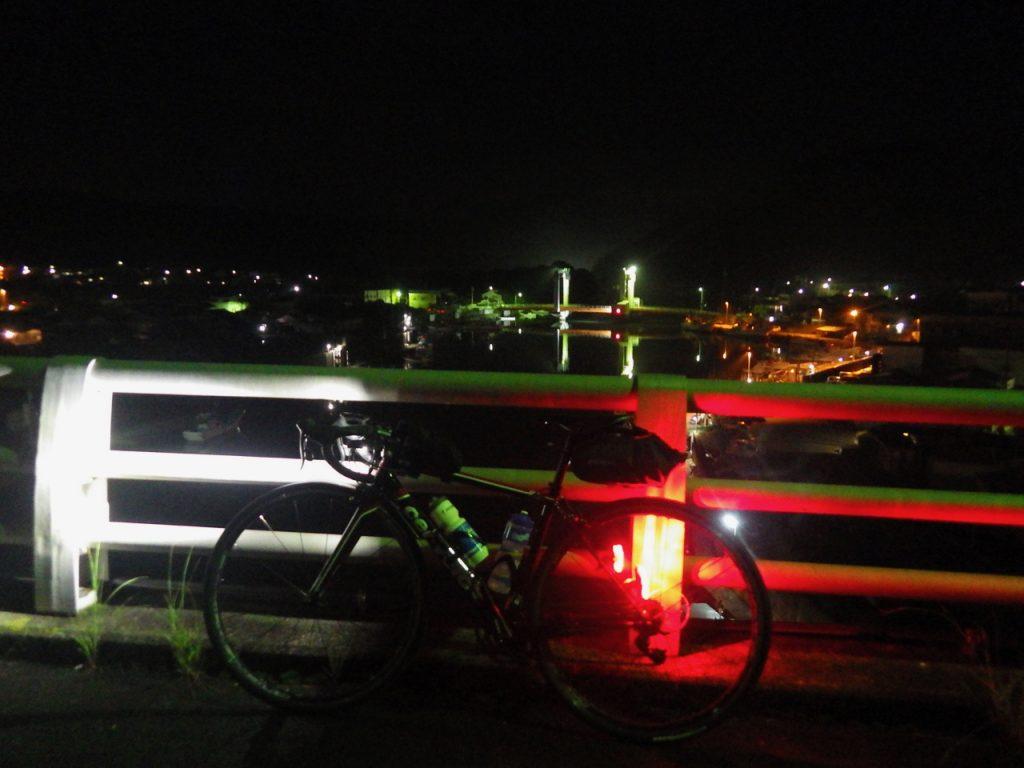 夜の紀伊長島港