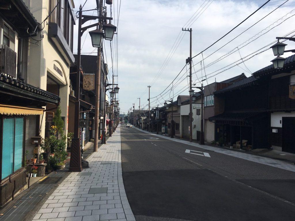庄川町を進む