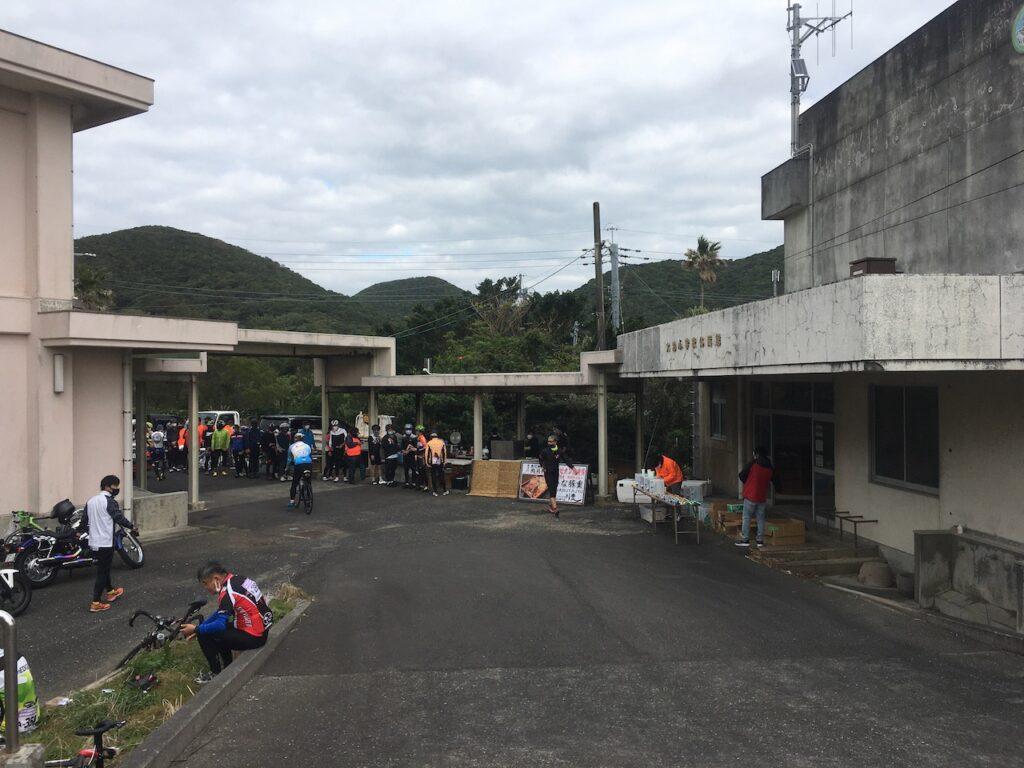 昼食会場の大泊小学校跡